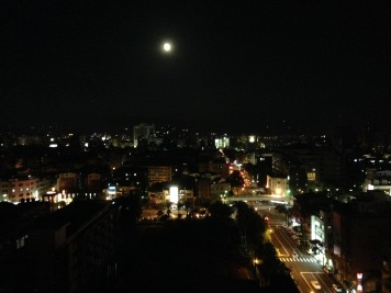 It was a full moon, so we decided to venture to the roof to take a look.